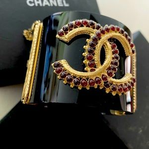 Gorgeous mint NWNT CHANEL embellished crystal cuff